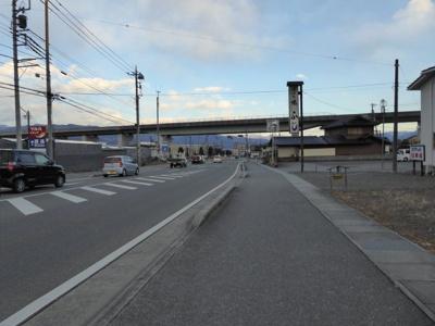 【前面道路含む現地写真】南アルプス市野牛島39坪土地