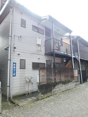 田園都市線「高津」駅にアクセス可能な最寄りバス停徒歩10分!閑静な住宅地にある2階建てアパートです☆