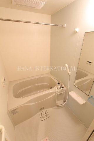【浴室】リーヴ・ルピナス