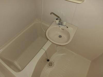 ユニットバス内の洗面所