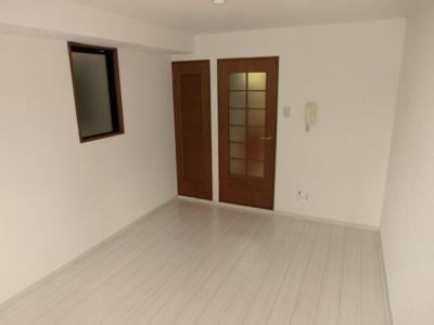 洋室6帖 全室角部屋で陽当り良好です。