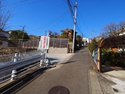 東海道線「保土ヶ谷」駅より徒歩圏内です。