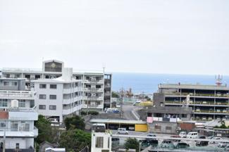 バルコニーから見る眺望①海もみえます