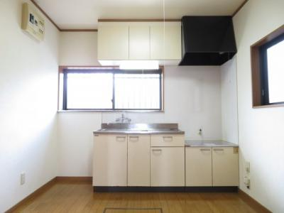 【キッチン】ハイツ・ヨシダⅢ