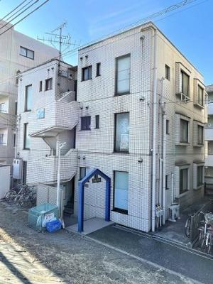 小田急線・南武線「登戸」駅より徒歩3分の好立地!ワンちゃん・猫ちゃんと暮らせる鉄筋コンクリートの3階建てマンションです☆
