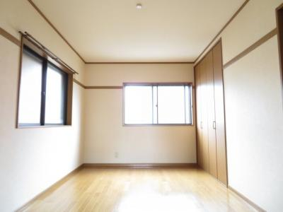 使い勝手のいい洋室です 2F北側