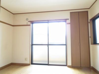 きれいな洋室です 2F 南側