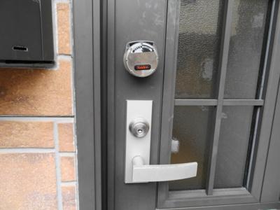 玄関 ダブルロックキー