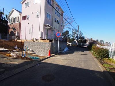 相鉄線「西横浜」駅まで徒歩約8分です。
