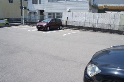 【駐車場】メゾン・ド・フェリーチェ