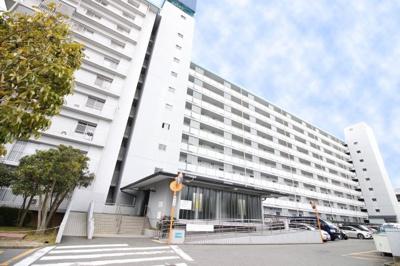 京阪『中書島』徒歩14分 特急停車駅で最短『淀屋橋駅』まで37分『祇園四条駅』まで11分が可能です。徒歩3分にコンビニ、徒歩約10分にスーパーや金融機関などの商業施設が建ち並ぶ《大手筋商店街》あり。
