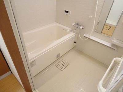 【浴室】レジデンスヒルズ ノースコート
