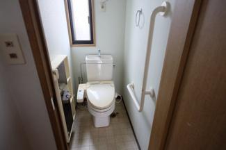 1階のトイレ(2階にもあります)