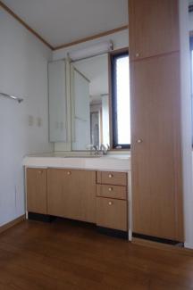 2階の洗面所です