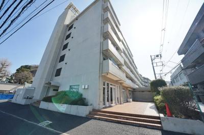 2沿線3駅利用可、JR横須賀線「保土ヶ谷」駅より平坦徒歩約5分の立地で、通勤・通学・お買い物にも便利です。