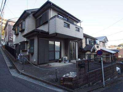 横須賀線「保土ヶ谷」駅より徒歩約4分と、通勤・通学に便利な立地です。