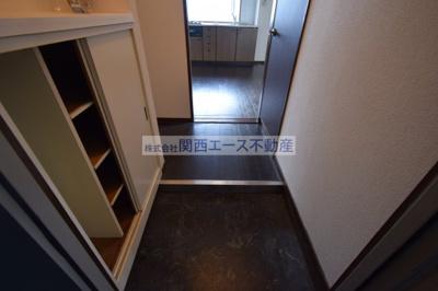 【玄関】ツカサロイヤルハイツ瓢箪山