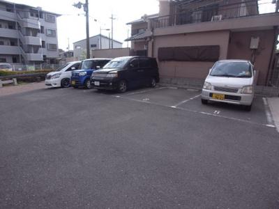 【駐車場】ヴィラージュキムラ