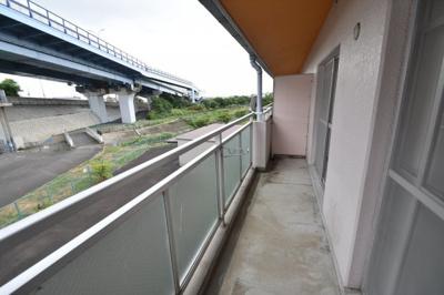 【バルコニー】アカシヤハイツ スモッティー阪急高槻店