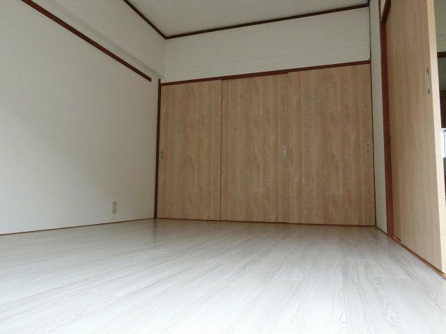 メゾン平野 洋室