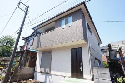 1-2階の居住空間をもつテラスハウスです。