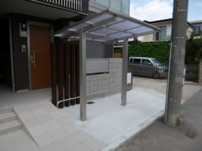 【RANDY】の屋根付き駐輪場!