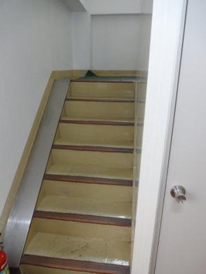 石井ハイツ 共用階段