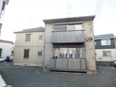 小田急線「登戸」駅より徒歩9分の2階建てアパートです♪駅近で通勤・通学もらくらく☆スーパーやコンビニが近くて便利な住環境です!