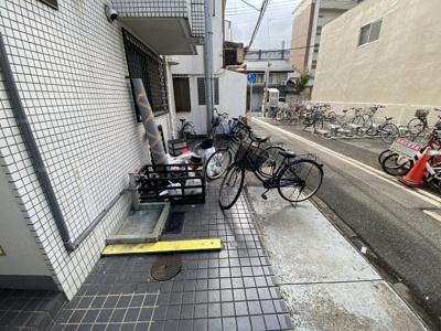 【駐車場】ダイコウレストハウス芥川 (株)Roots