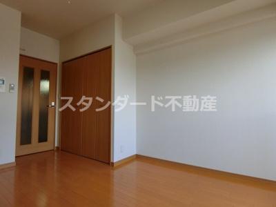 【居間・リビング】シャルマンフジ福島