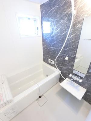 大きい浴槽なので、お風呂好きにはピッタリです。