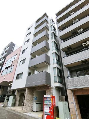なによりグリーンライン「北山田」駅より1分が魅力的な、鉄筋コンクリートの7階建てマンションです♪駅近で通勤・通学にも便利!
