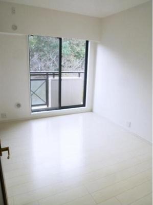 パークヒルズ櫻坂ステージⅡ(4LDK)の洋室です。