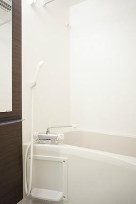 リブリ・M-IVの風呂