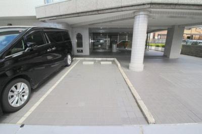 【駐車場】緑地ロイヤルハイツ2号館