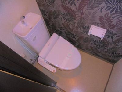 温水洗浄便座機能付き