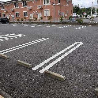 【駐車場】ボンヌシャンス・ヴィラA