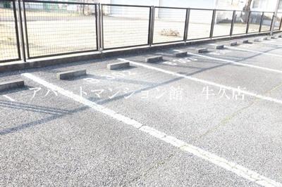 【駐車場】牛久ロイヤルレジデンスBⅡ型