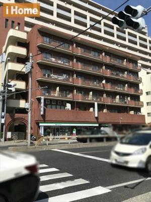JR六甲道駅より徒歩5分! 国道2号線沿いの生活便利な立地です。