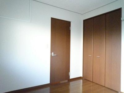 クローゼットのある洋室5.5帖のお部屋です!各洋室のお部屋にクローゼットがあるのが嬉しいですね♪