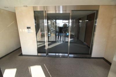 【玄関】エデラ・カーサ