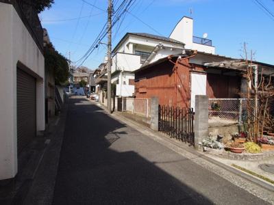 住環境に配慮された人気の第一種低層住居専用地域。