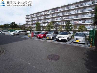 敷地内駐車場は安心ですね。