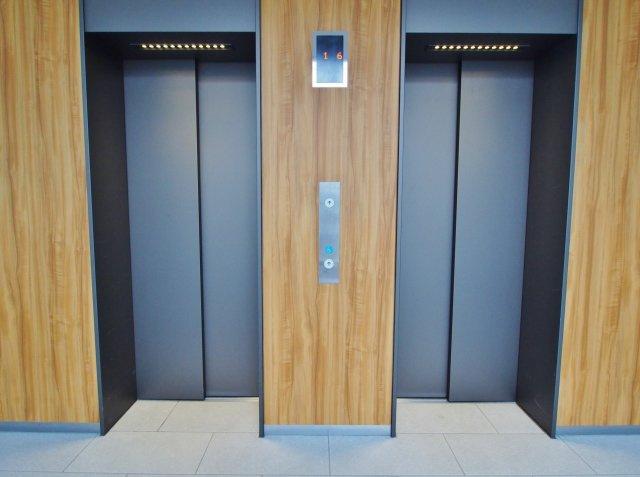 エレベーターが2基あると、少し心にゆとりができますね