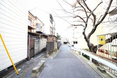 【前面道路含む現地写真】伏見区石田大山町 中古戸建