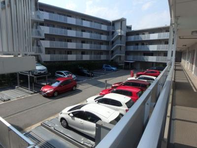 【駐車場】甲子園六石町ハイツ