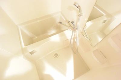 【浴室】プレサンス新大阪ザ・シティ
