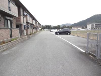 【駐車場】リビオンA棟