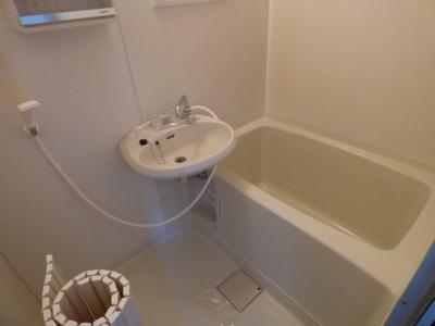【浴室】レオパレスリビエールブランシェ
