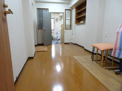 鮨若ビル 洋室約6帖(トイレ側から)